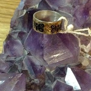 WOMEN'S BUTTERFLY BAND RING SIZE 8.5 Nwt